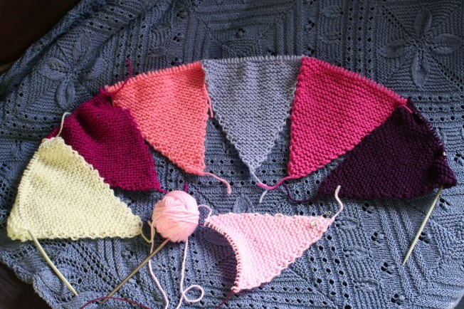 Girlie Bunting free knit pattern